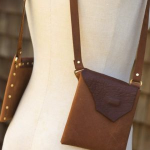 BROWN & BROWN SHEEP- Stylish leather small purse