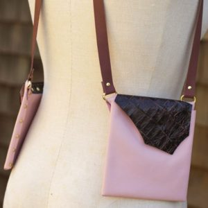 PINK & CROCODILE- Small leather style purse